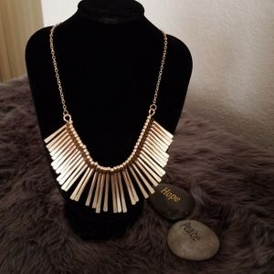 Jewelry - Brand new gold necklace